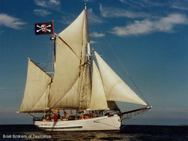 Gaff Rigged Sailboat For Sale http://yachthub.com/list/yachts-for-sale/used/sail-monohulls/traditional-gaff-rigged-topsail-ketch/33845