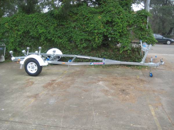 Brooker Trailer Brand New 17'