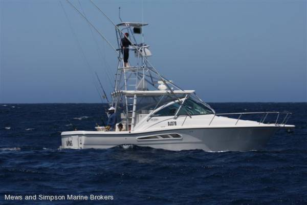 Rampage 33 Express Sportsfish ( Luhrs, Cabo ) View Image SlideShow