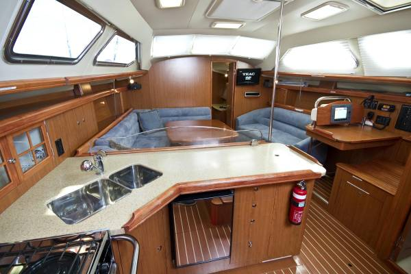 Hunter 41 Deck Saloon: Sailing Boats | Boats Online for Sale | Grp | Western ...